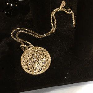 Jewelry - Beautiful cut crystal necklace with czs